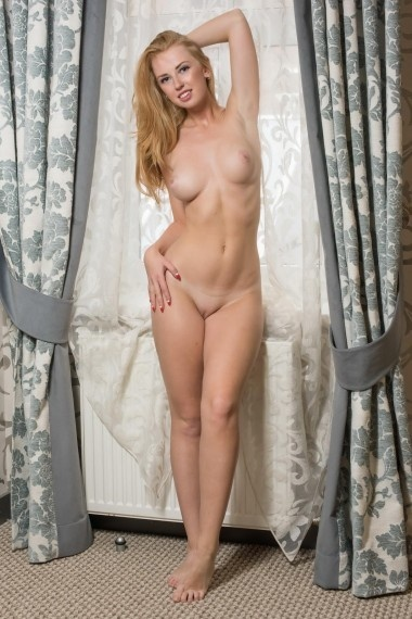 Melita, beautiful Russian escort who offers massages in Rome