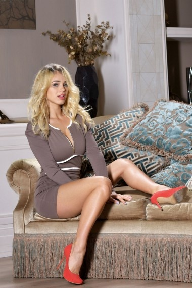 Zara, beautiful Russian escort who offers massages in Rome